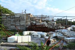蚵農自蓋的簡易漁具倉庫