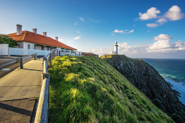 lighthouse-3874060_1920.jpg