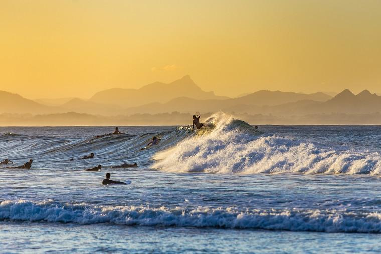 surfing-3846850_1920.jpg