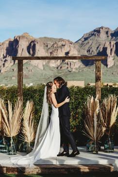 Arizona wedding photographer. Bride and groom at desert wedding in Arizona.
