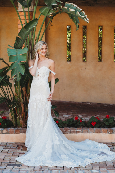 Stunning bride on her wedding day in Arizona. Christina J Photography.