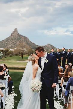 Arizona wedding photographer. Bride and groom at countryclub wedding in Arizona. Christina J Photography.