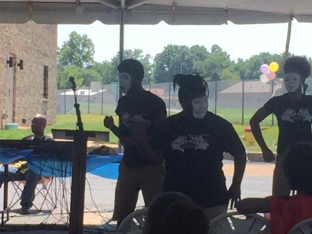 Mime dancers