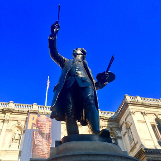 Statue of Sir Joshua Reynolds at the RA, by Alfred Drury