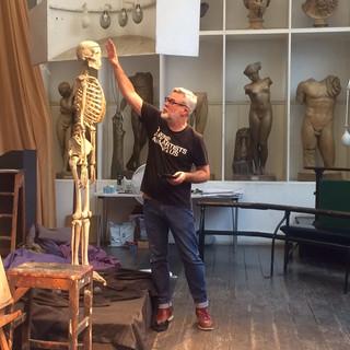 Mark Hampson teaching in the RA Life Room, 2018