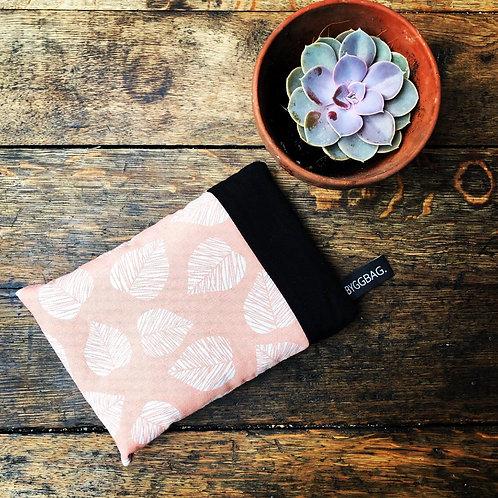 Byggbag Warmtekussen. Pink leaf