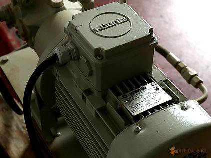 Caricatore idraulico-pneumatico EM 11.jp