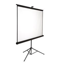 70-X70-Tripod-Projection-Screen-e1425061222232