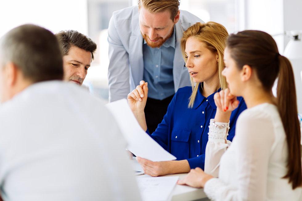 successful-business-partners-brainstormi