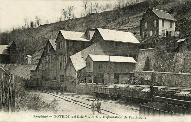 1391260802-NotreDameVaulx-mines2 (1).jpg
