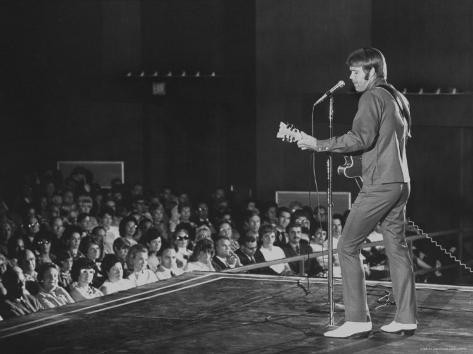 Glen Campbell on stage