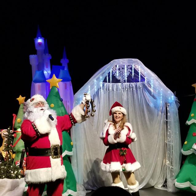 Santa   Mrs. Claus   Sleigh Girls