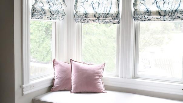 modern farmhouse window seat roman shade