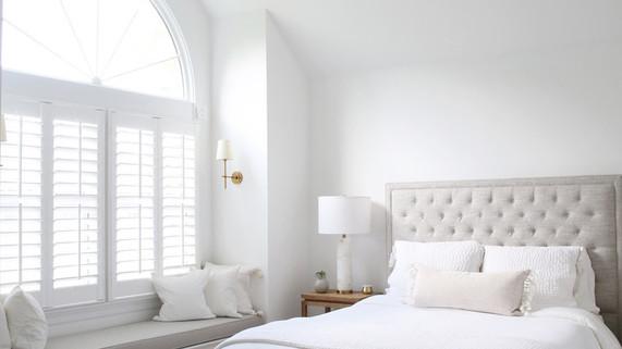 transitional master bedroom interior des
