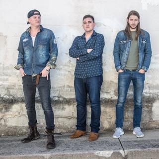 Kentucky Country Band Comfortably Broke