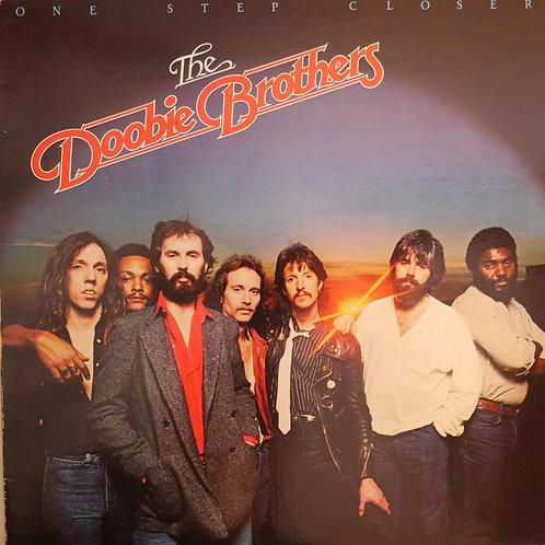 THE DOOBIE BROTHERS / ONE STEP CLOSER
