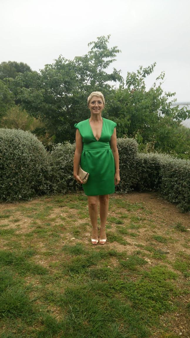 A l'atelier de Zézé & Lili ... création robe de cérémonie en satin verte ...