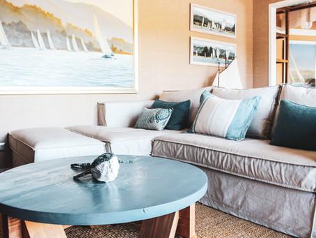 Sala de estar en el lago