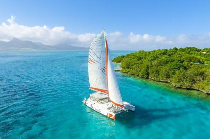 catamaran-cruises-mauritius-full-day-cruise-to-isle-aux-cerfs-in-mahebourg-199510