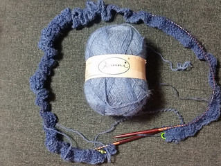 WIP Wednesday: Apparently 2016 is the year of the blue shawl/wrap
