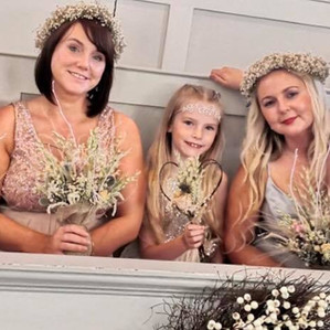 Summery Bridesmaids with gypsophila flow