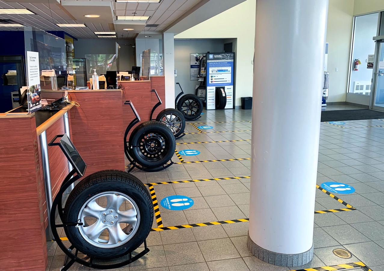 Service Desk Tire Stands