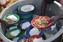 feeding-the-poor-862797__340.jpg