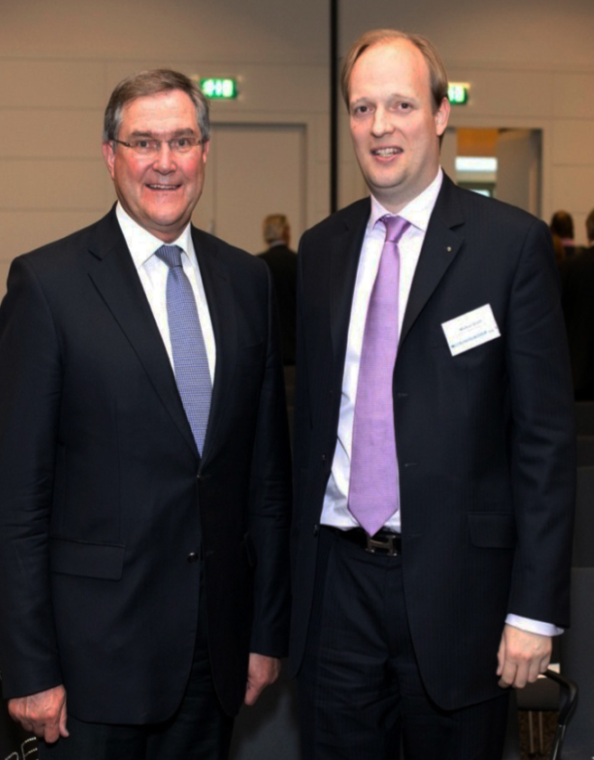 Markus Gruhn mit Ex-Verteidigungsminister Dr. Franz-Josef Jung, MdB