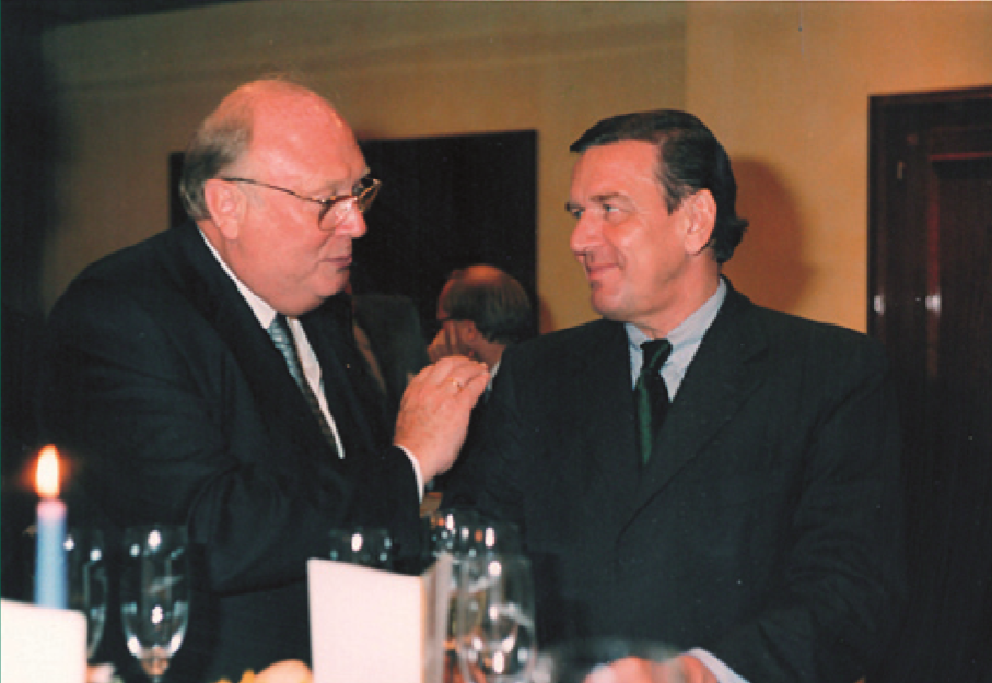 ... mit Bundeskanzler Gerhard Schröder