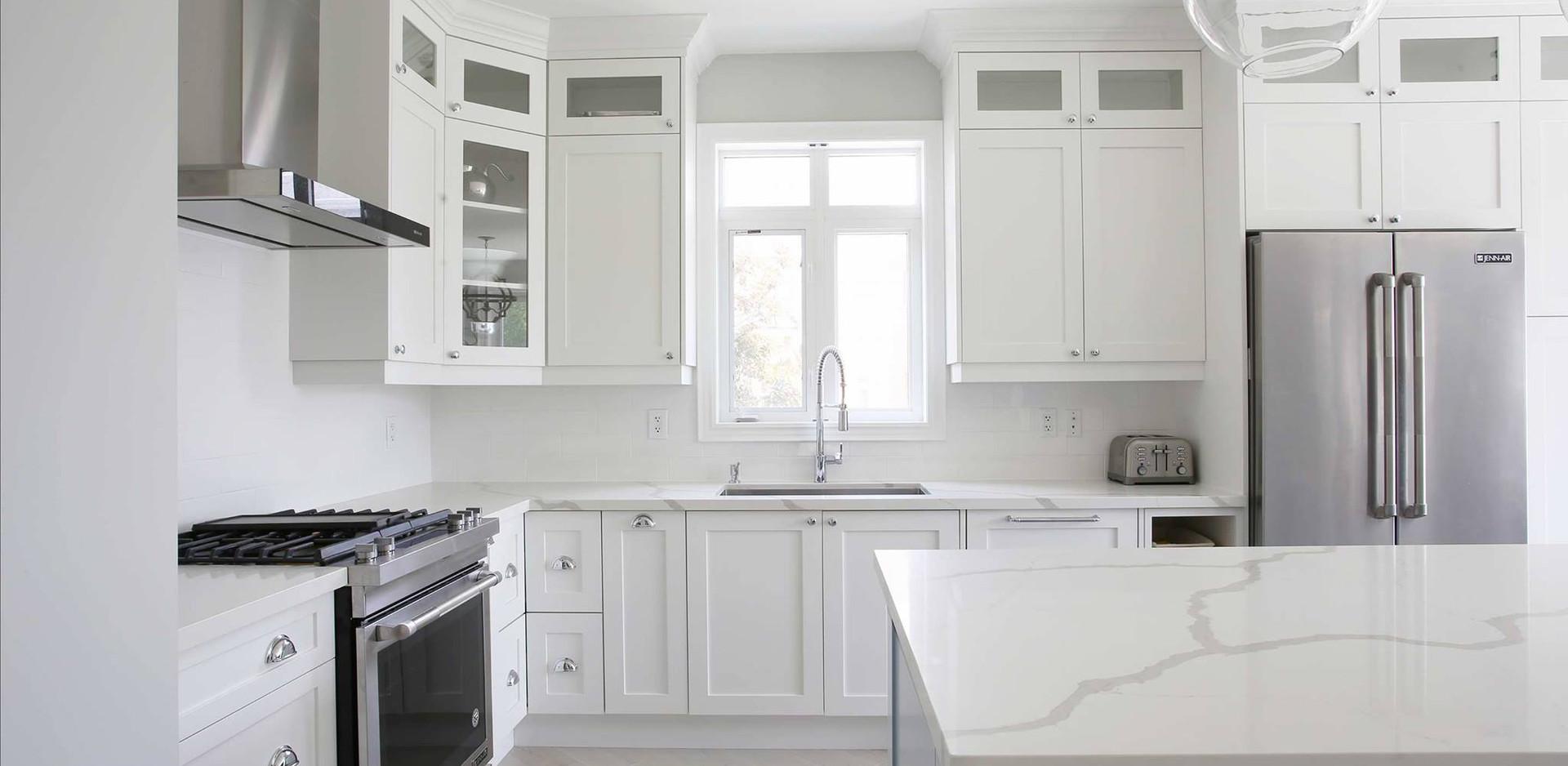 New Kitchen Cabinets, backsplash, and countertops