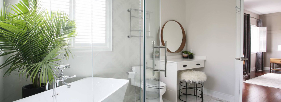 Spa feeling bath and custom makeup corner