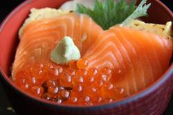 鮭とイクラの親子丼(バリューランチ))