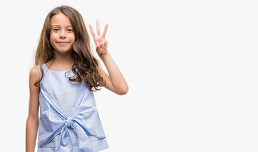 Girl in purple dress showing number 3 to represent Step 3 of PCIT Certification Training