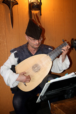 Good Knights - musician in costume