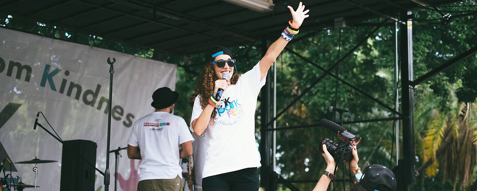 Emcee-Event-Creator-Marly-Q-5K-Perform%2