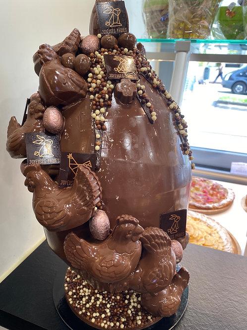 Oeuf géant chocolat lait avec décoration (vide)