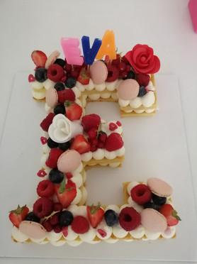 Number Cake lettre E.jpg