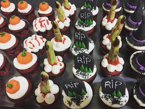 cupcake halloween.jpg