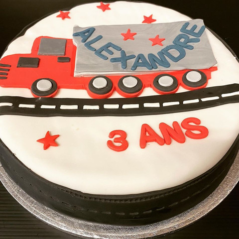 Camion cake.jpg