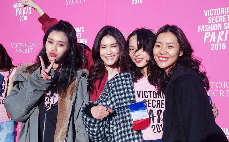 Xi Mengyao, Sui He, Ju Xiaowen, and Liu Wen, the four top Chinese models who walked the 2016 Victoria's Secret Fashion Show. Photo from NextShark, but originally appeared on Liu Wen's Instagram @liuwenlw.
