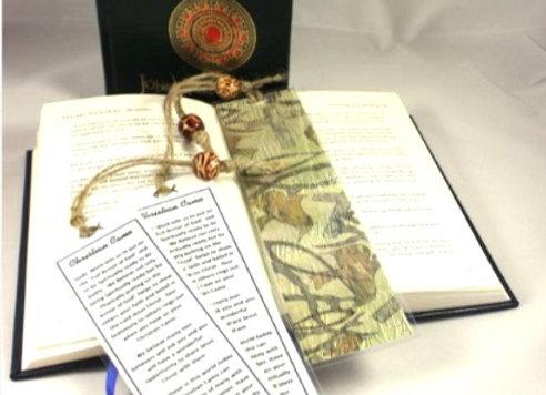 CHRISTIAN CAMO BOOKMARK: ENGLISH