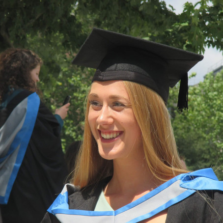 Day In The Life & Tips On Securing A Training Contract (Herbert Smith Freehills) - Amy Carter