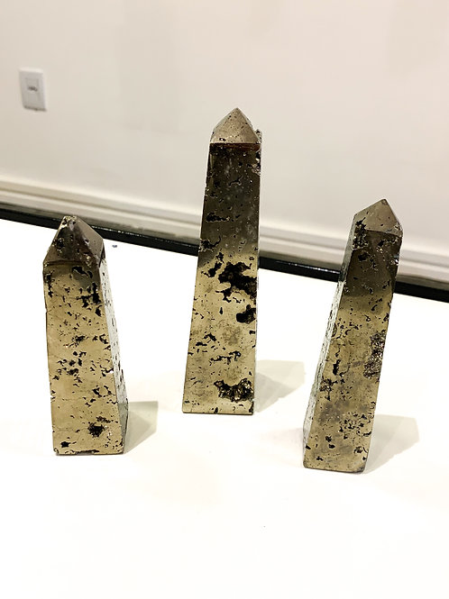 Torres em pedra Pirita.