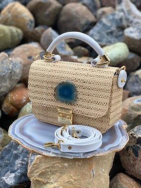 Bolsa em palha com pedra Ágata Azul
