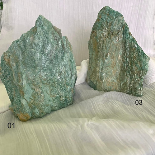 Pedra Bruta Fuchsita