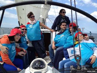 Giro in barca a vela con in ragazzi della Lega del Filo d'Oro