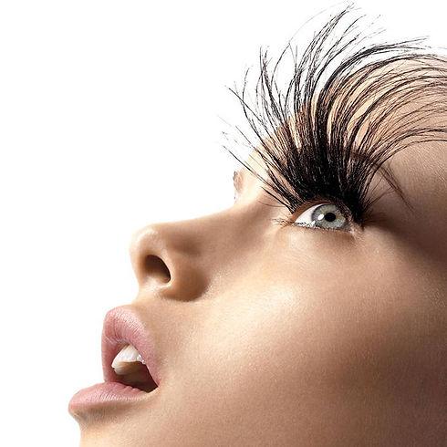 54aebc459b8ba_-_hbz-eyelash-extensions-p