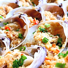 Steamed Fresh Clams with Roasted Garlic and Vermicelli