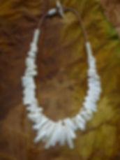 Amulett aus Bisonknochen und Caribouknochen von Tulukkap Anersaava