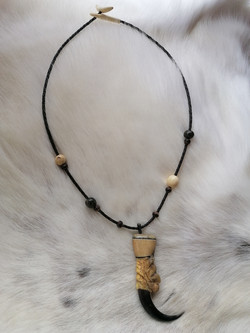 Adlermedizin /www.tulukkap-anersaava.de / PeterStrauss / bonecarving / Natur /Schamanismus / Amulett